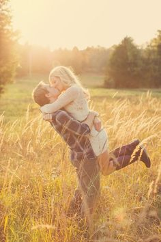 Travel Themed Engagement Shoot: Love Is An Adventure! | Bridal Musings