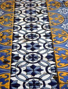 Mendoza - Plaza España, azulejos. #Spain #tile
