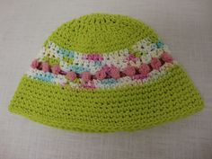 Girls sun hat by Mod Stitches. Lime with rose buds