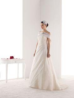 Robes de mariée Melle Oceane (Pronuptia)  Wedding dress  Pinterest