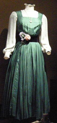 Eliza Doolittle - Cecil Beaton - green silk dress