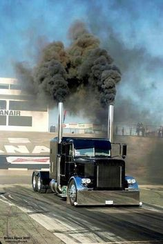 Stagin' and rollin' coal in the Peterbilt