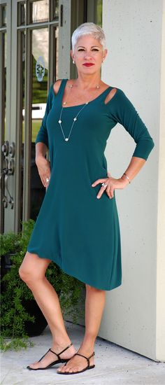 Today we are LOVING this new dress by Sympli in this rich Jade color! Yeah, Sympli!!! A great made in Canada success story...