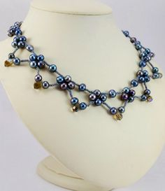Free pattern for necklace Corina