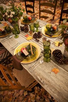 rustic table, fall parties, color, fall dinner, fall table settings, table scapes, fall weddings, thanksgiving table, tablescap