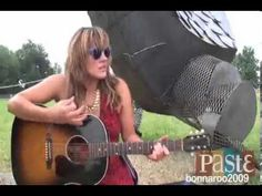 Grace Potter - I Shall Be Released at Bonnaroo (2009)