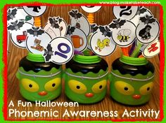 FREE printable to make your own Halloween phoneme segmentation activity!