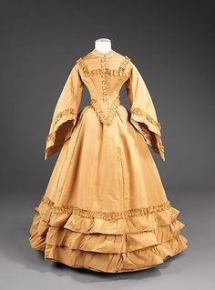 Wedding Dress 1851, American, Made of silk
