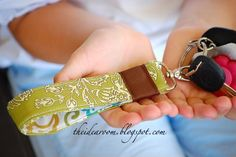 sewing machines, craft, keychain, gift ideas, key holders, key rings, sewing tutorials, christmas gifts, key fobs