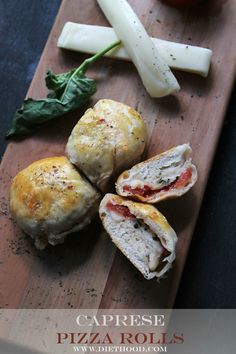 Caprese Pizza Rolls   www.diethood.com   Soft and flavorful ready-to-bake Pillsbury biscuits filled with a delicious Caprese mixture of sliced tomatoes, shredded mozzarella, and basil.   #recipe #pizza #caprese