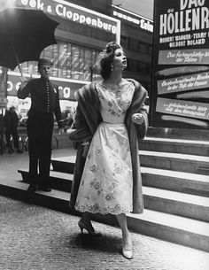 Suzy Parker in a dress by Staebe-Seger, photo by Regina Relang, Berlin, 1954