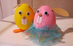 Kid's Craft - Painted Bunny Eggs  #kids #craft #painted #bunny #eggs #cute #colorful #spring #easter