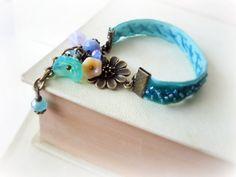 Forgetmenot bracelet  beaded teal turquoise blue velvet by GBILOBA, €19.00