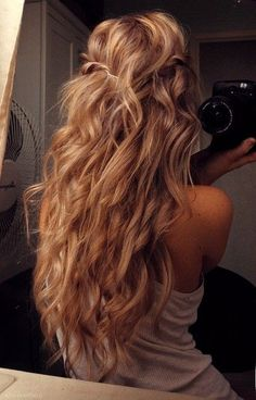 If only we could wake up and our hair would look like this.
