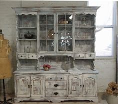 in love with this amazing farmhouse hutch