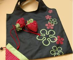 Strawberry collapsible tote from China