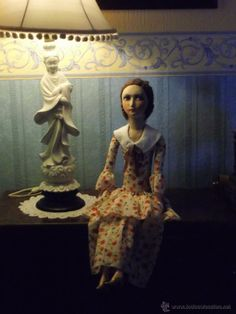 BOUDOIR BED DOLL,POUPÉE DE SALON