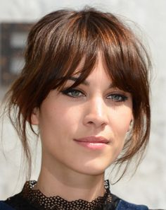 Alexa Chung - my fave natural beauty. Always minimum done to hair and make-up and she just looks fab ♥