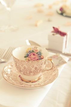 Vintage tea cup place setting