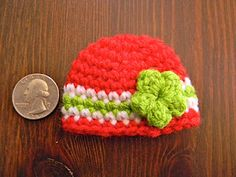Free Crochet Teeny Beanie Christmas Ornament Pattern.