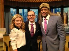 Michael Strahan tried out Donnie Wahlberg's 1988 mullet look #KellyandMichael