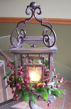 #Christmas, #New #Year's #Eve and #The #Three #Wise #Men Pretty decor w/berries