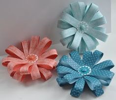 Super easy and cute paper flower tutorial. Stampin' UP! - Designer Paper
