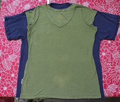 How to make a fitted t-shirt out of a too-large one.