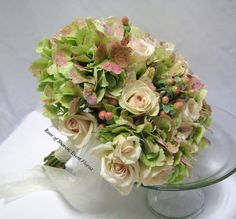 antique hydrangea with spray roses (use coral roses)