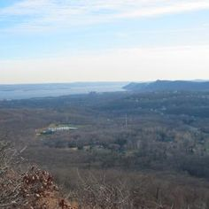 View from Pyngyp, Sufffern-Bear Mountain Trail, Palisades, NY