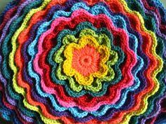 blooming flower crochet cushion - free #crochet pattern