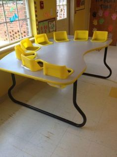 8-SEAT, LITTLE PALS FEEDING & ACTIVITY TABLE - $400 (Grayson, GA)