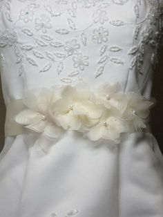 Pearl Flower Bridal Sash, Bridal Belt, Ivory Champagne Antique White Flower Sash,Tulle chiffon Organdy Wedding Sash, Wedding Accessories