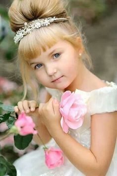 Child With Roses ✿