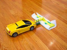 Turn an RC car into a floor sweeper and have fun while you're cleaning! Lol!! Je vais en piquer une à mon frère!! :D