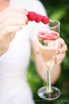Sparkling reception #drinks with fresh fruit!