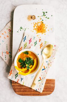 Curried pumpkin & red lentil soup