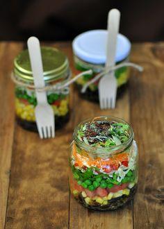 Picnic: Ensaladas en frascos, con su aliño inclusive.