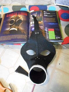How to make a mask. Empty Child Gas Mask - Step 8