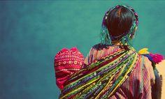 Tradición e identidad nacional es lo que representa esta pieza de artesanía mexicana. Rebozo.