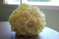 pale yellow(silk): Hydrangea, carnation, roses, gerbera daisies, and dahlias yellow flowers, beauti bouquet, bouquet idea