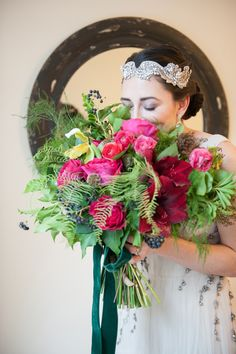 Ruffled - photo by http://www.mikkelpaige.com/ - floral by  photo by http://www.mikkelpaige.com/ - floral deisgn by Sachi Rose - http://ruffledblog.com/coordinating-bouquets-with-invitations/