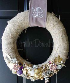 vintage jewelry wreath decor, vintage crafts diy, idea, jewelri wreath, chic diy, diy vintag, vintag jewelri, wreaths, thing