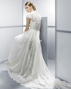 Wedding dress designers on pinterest fishtail wedding for Spanish wedding dress designers list