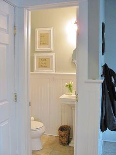 Nice airy, small bathroom