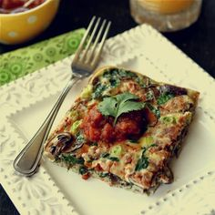 clean eating baked egg breakfast casserole with mushrooms, spinach and salsa #cleaneating