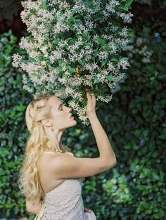 Flower child with some serious star jasmine photo: jess wilcox for #sbchic