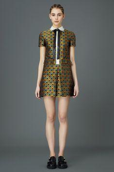 Почти сто различных моделей представлено в новой коллекции модного дома Valentino. .