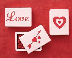 Martha Stewart Valentine's Day Holders #marthastewartcrafts #plaidcrafts #valentinesday