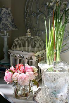 Pretty vignette from Romantic Homes.